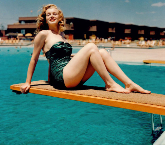 marilyn-monroe-bathing-suit-green1